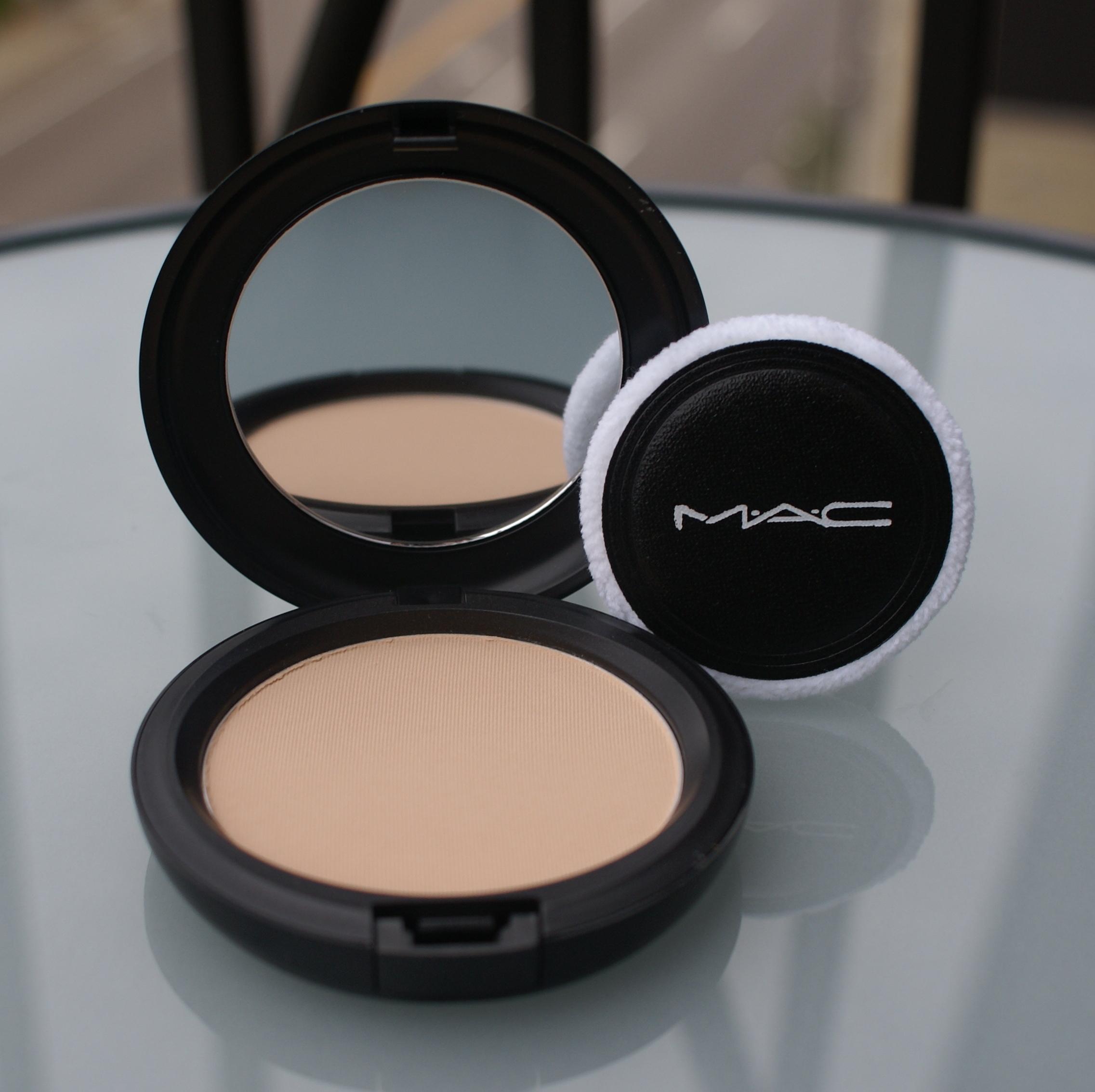 Blot Pressed Powder by MAC #12